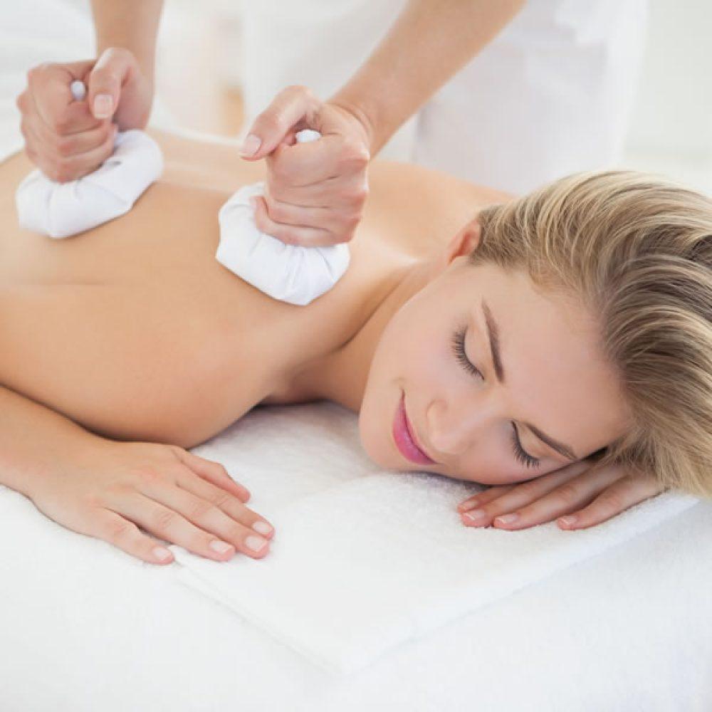ritual-masaje-floral-con-pindas